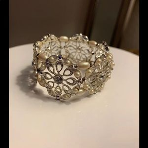 Jewelry - Beautiful Cuff Bracelet With Pearls